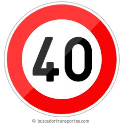 Multas velocidad y pérdida de puntos por superar el límite de 40 Km.